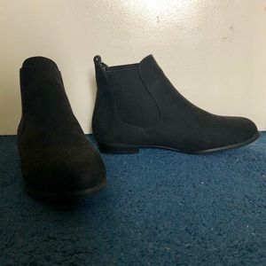 NWOT ASOS New Look Suedette Chelsea Ankle Boot